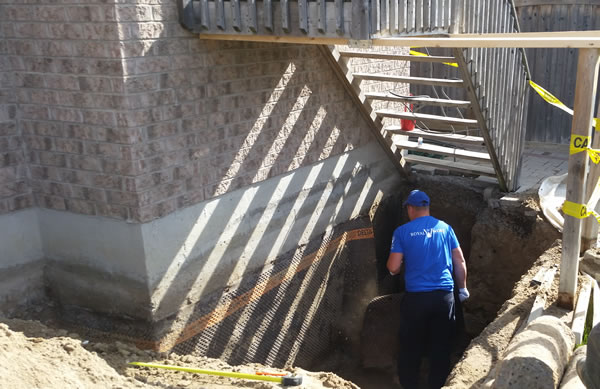 expert fixing foundation wall