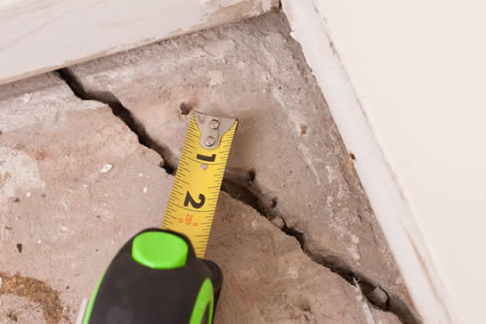 floor shrinkage and settlement cracks